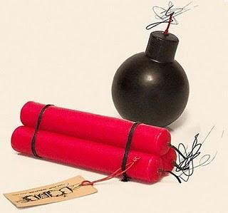 a96954_bomb_dynamite_candles2.jpg