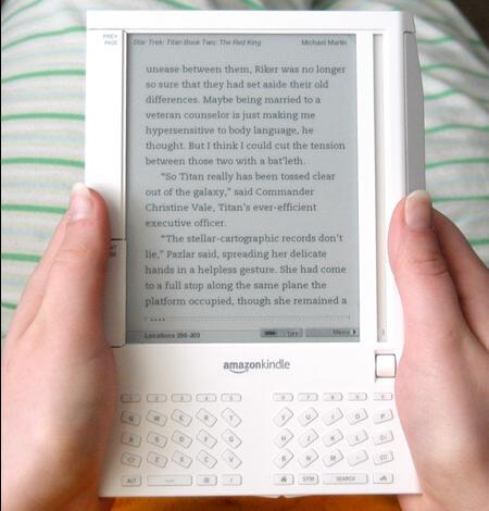 Amazon Kindle 1.jpg