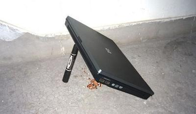 other use of laptop 05.jpg